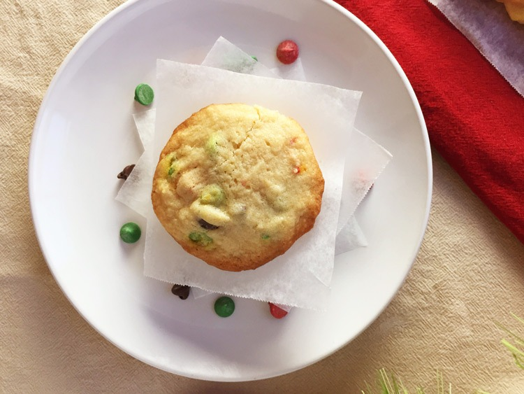 Chocolate chip christmas cookies seasonly creations for Simple christmas cookie and candy recipes