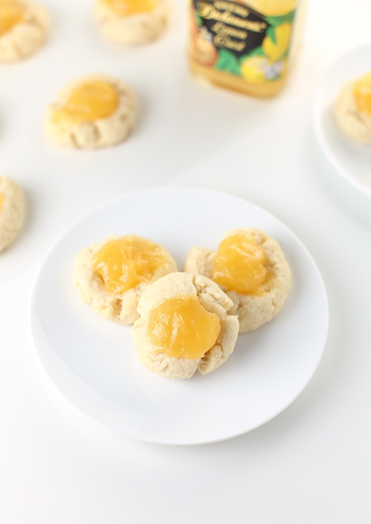 Lemon Thumbprint Cookies. Spring is finally here! And this lemon cookie recipe is perfect as an Easter cookie recipe or Mother's Day cookie recipe. These lemon thumbprint cookies are also very popular during Christmas! Click through for the full recipe | SeasonlyCreations.com | @SeasonlyBlog
