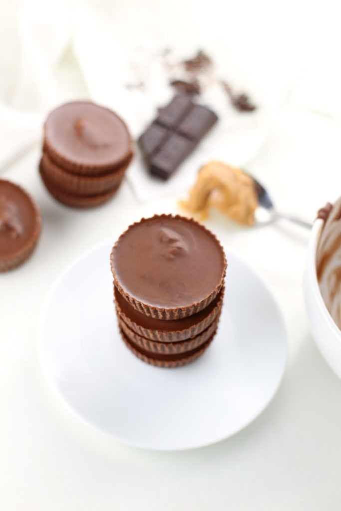 Low Carb Chocolate Peanut Butter Cups {Gluten Free, Keto-Friendly}