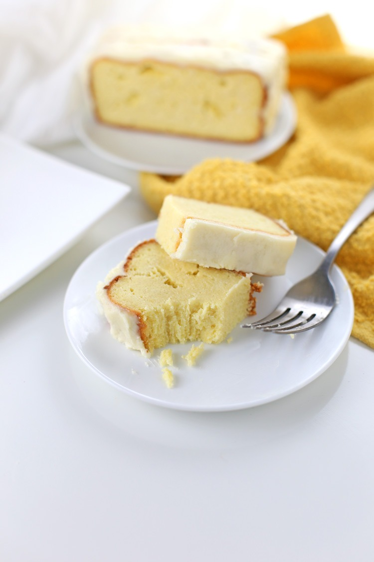 Low Carb Lemon Pound Cake {Gluten-free, Keto-friendly}. Low carb lemon pound cake recipe, perfect as a Mother's Day recipe or for any other spring occasion. Click through for the full recipe and shopping list! | SeasonlyCreations.com | @SeasonlyBlog