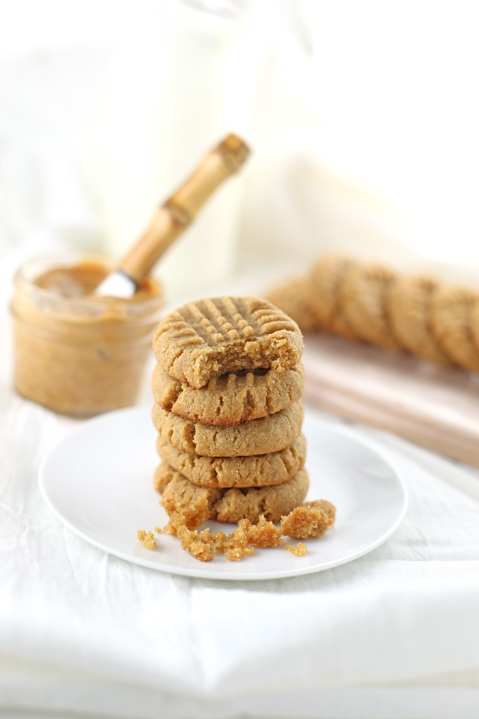 Soft and Chewy Gluten-Free Peanut Butter Cookies (Low Sugar). Perfect, healthy peanut butter cookie recipe, especially if you're looking for a gluten-free or low sugar recipe! Grab the list of specialty ingredients and recipe by clicking through. | www.SeasonlyCreations.com | @SeasonlyBlog